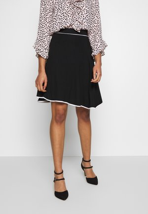 FLARED SKIRT - Falda acampanada - black