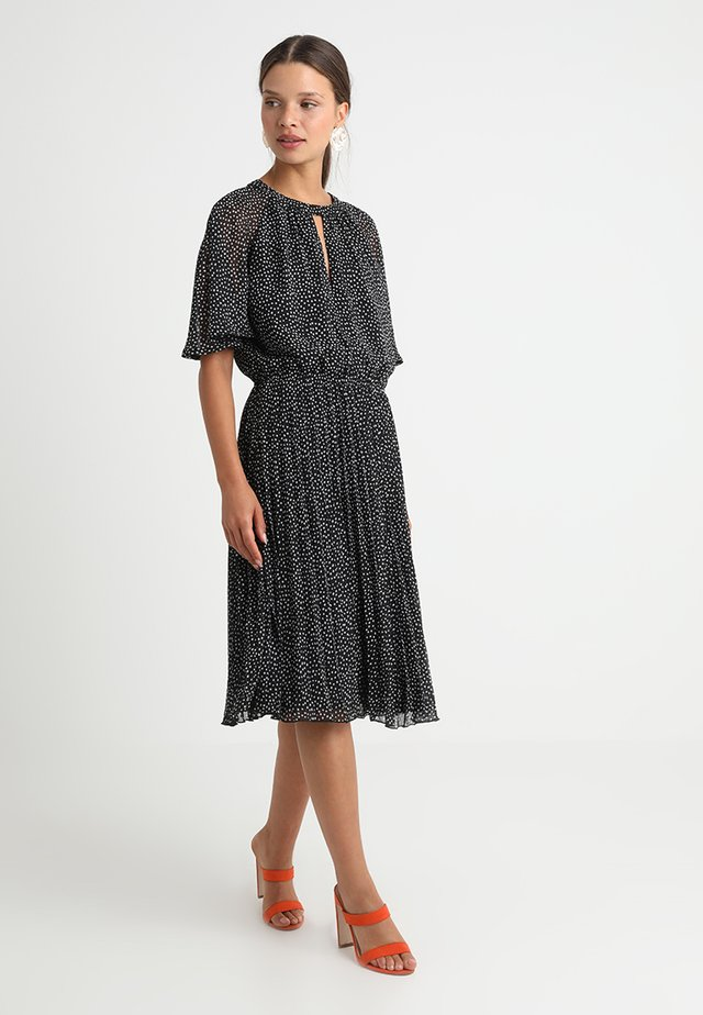 Day dress - white/ black