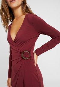 Anna Field Petite - Robe en jersey - dark red - 6