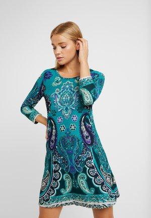 Stickad klänning - green/blue