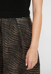 Anna Field Petite - Day dress - gold/black - 6