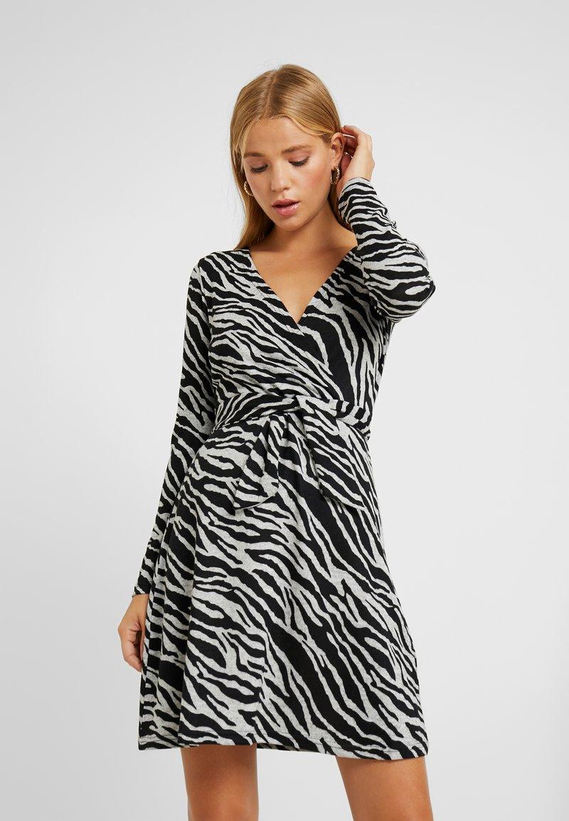 Anna Field Petite - Pletené šaty -  grey  black