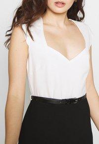 Anna Field Petite - Pouzdrové šaty - white/black - 4