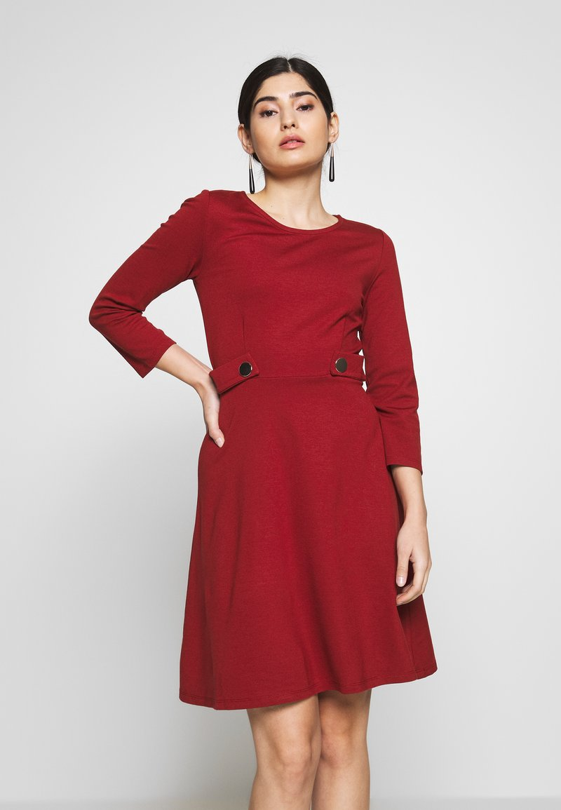 Anna Field Petite - DRESS FIT&FLARE - Robe en jersey - biking red
