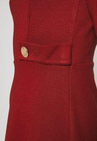 Anna Field Petite - DRESS FIT&FLARE - Robe en jersey - biking red - 5