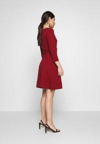 Anna Field Petite - DRESS FIT&FLARE - Jerseykjole - biking red - 2