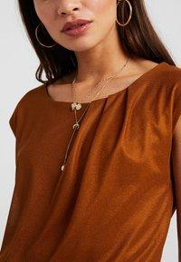 Anna Field Petite - T-shirts - caramel cafe - 4
