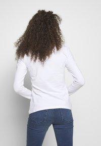 Anna Field Petite - BASIC V NECK LONG SLEEVE TOP - Topper langermet - white - 2