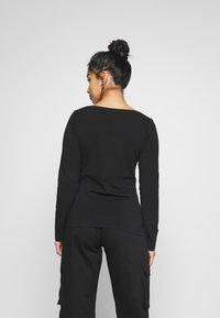 Anna Field Petite - BASIC V NECK LONG SLEEVE TOP - T-shirt à manches longues - black - 2