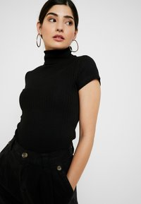 Anna Field Petite - T-shirt z nadrukiem - black - 3
