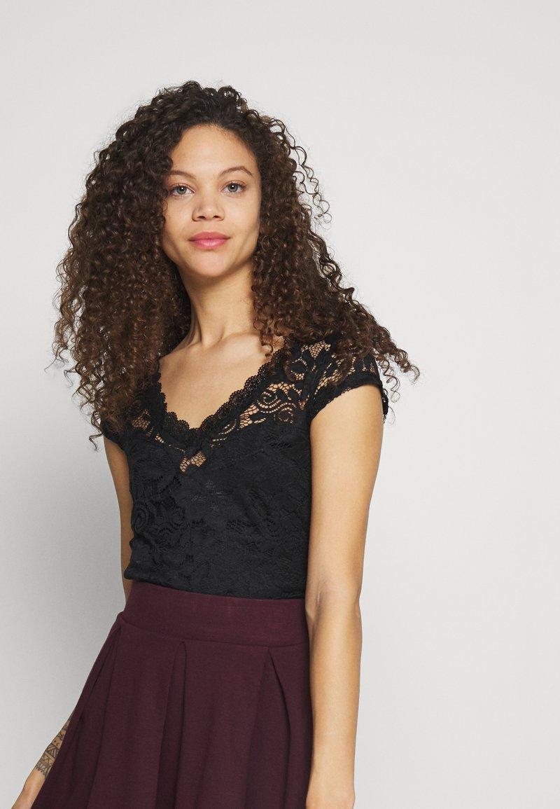 Anna Field Petite - T-shirts med print - black