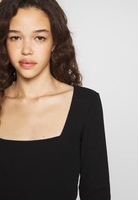 Anna Field Petite - BASIC LONG SLEEVE TOP - Maglietta a manica lunga - black - 4