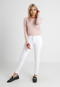 Anna Field Petite - Jeans Skinny Fit - white - 1