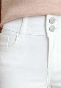 Anna Field Petite - Jeans Skinny Fit - white - 4
