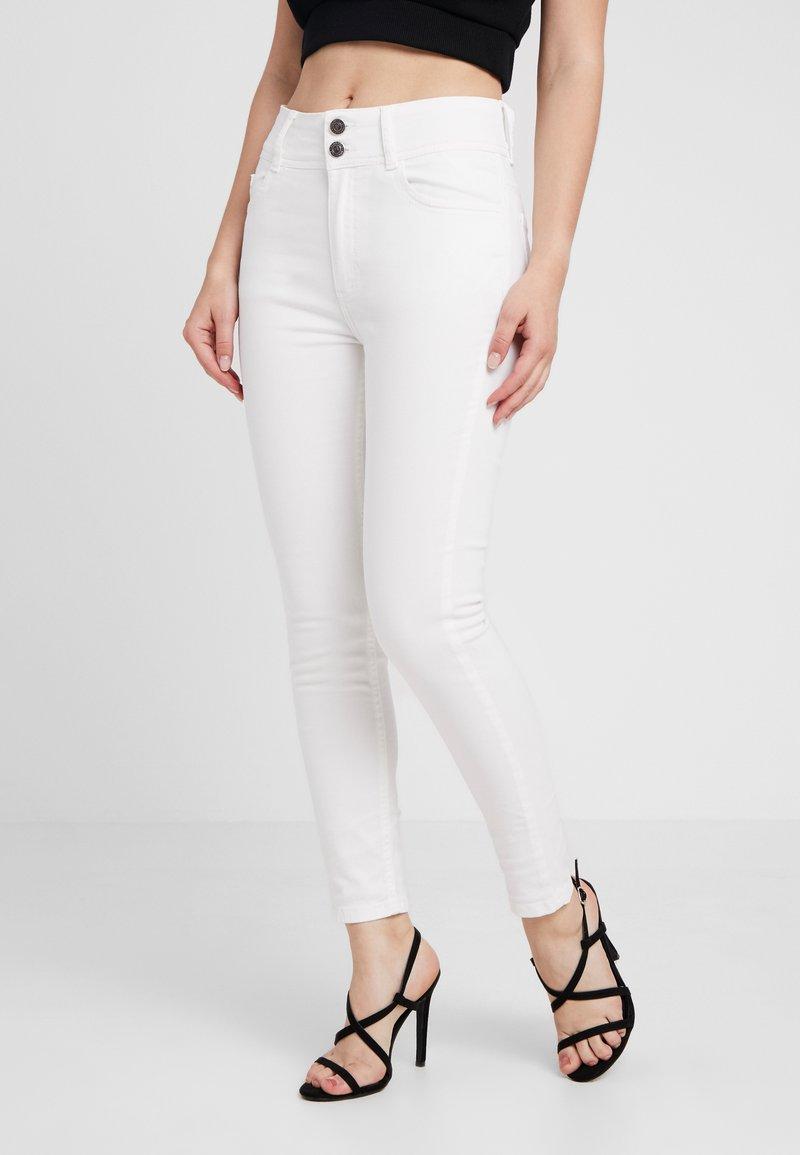 Anna Field Petite - Jeans Skinny Fit - white denim