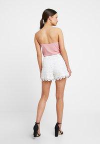 Anna Field Petite - Shorts - cloud dancer - 2