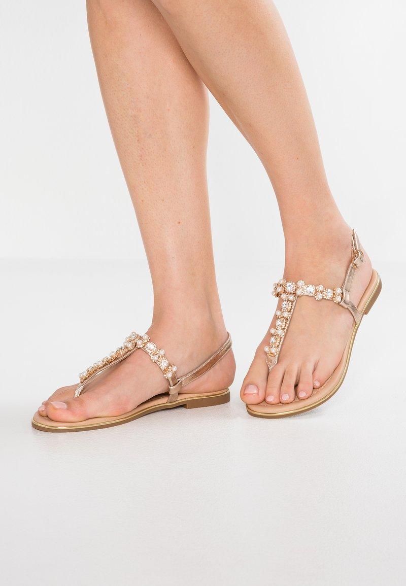 Anna Field Wide Fit - Sandály s odděleným palcem - rose-gold