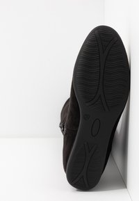 Anna Field Wide Fit - Ylipolvensaappaat - black - 6