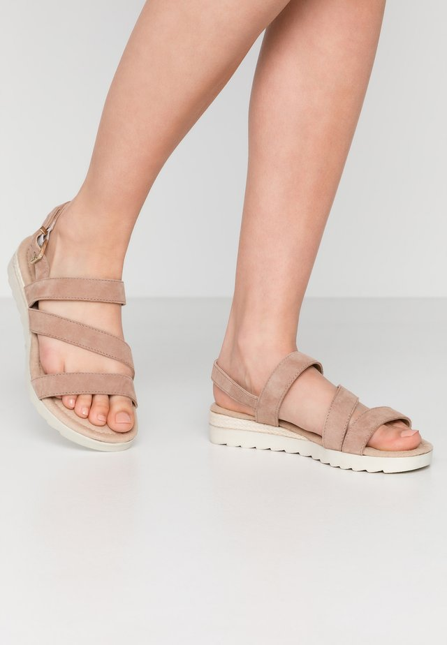 WIDE FIT LEATHER - Sandaletter med kilklack - rose