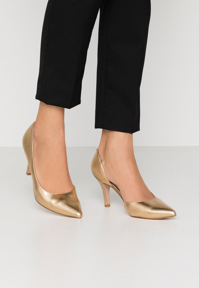LEATHER PUMPS  - Czółenka - gold