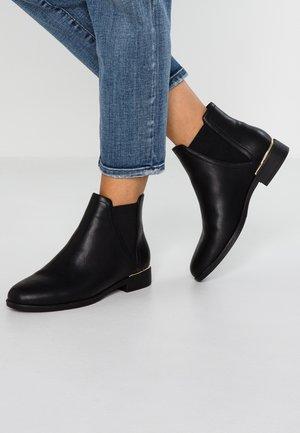 WIDE FIT - Kotníková obuv - black