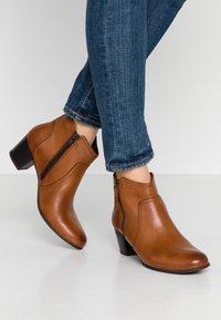 Anna Field Wide Fit - LEATHER BOOTIES - Kotníková obuv - cognac - 0