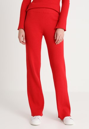 MORGAN PANTS - Tygbyxor - chinese red
