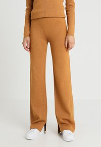 Another-Label - PASCAL PANTS - Tygbyxor - inca gold - 0