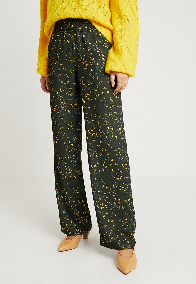 Another-Label - RICHELIEU BRANCHES PANTS - Stoffhose - yellow