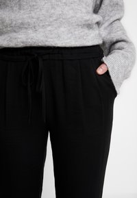 Another-Label - LEWIS PANTS - Pantaloni - black - 5