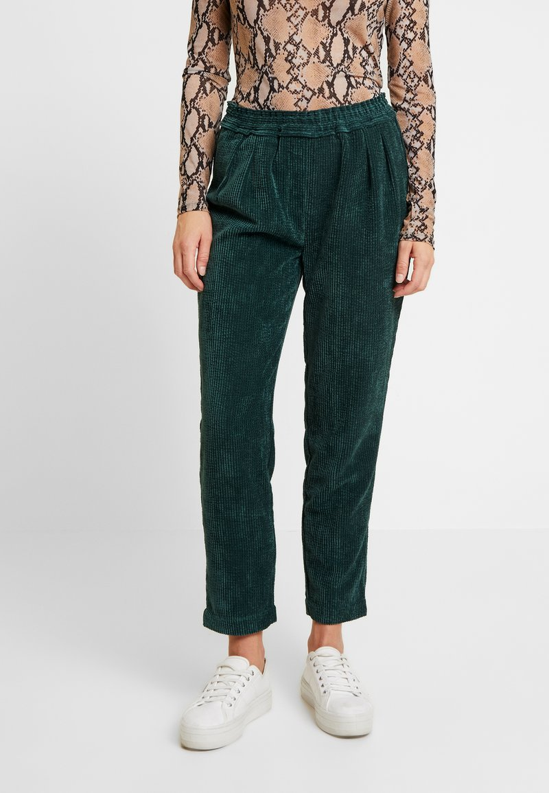 Another-Label - VALKA PANTS - Trousers - ponderosa green