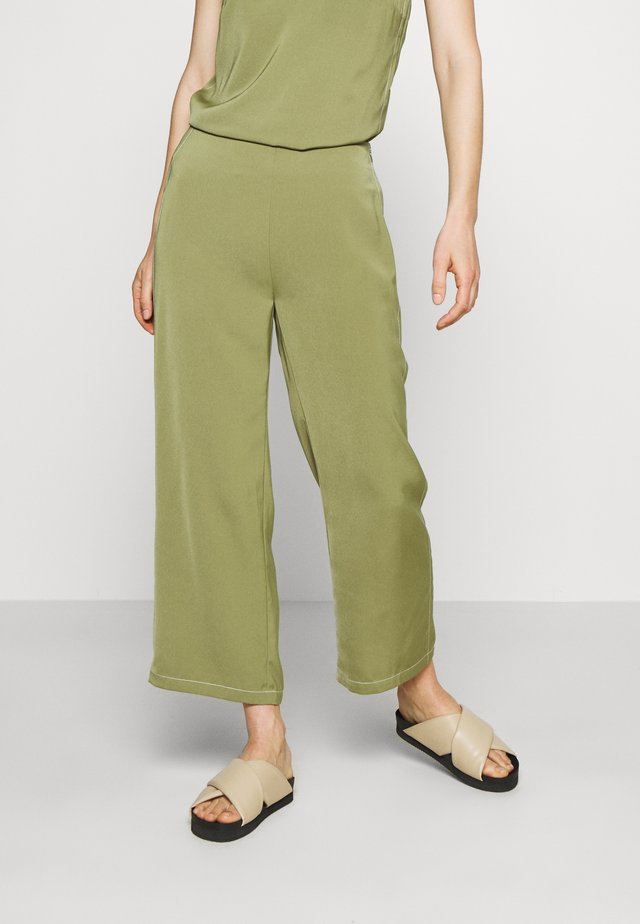 BILLEIGH PANTS - Pantaloni - loden green