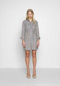 Another-Label - AVELINA DRESS - Robe chemise - marmelade - 1