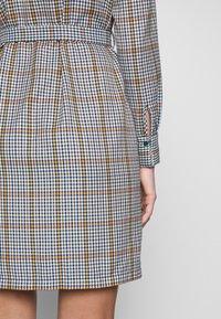 Another-Label - AVELINA DRESS - Robe chemise - marmelade - 5