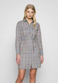 Another-Label - AVELINA DRESS - Robe chemise - marmelade - 0