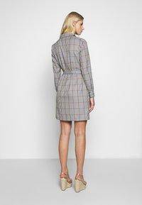 Another-Label - AVELINA DRESS - Robe chemise - marmelade - 2