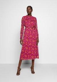 Another-Label - AMIE DRESS - Skjortekjole - multi collage - 0