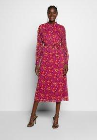 Another-Label - AMIE DRESS - Skjortekjole - multi collage - 1