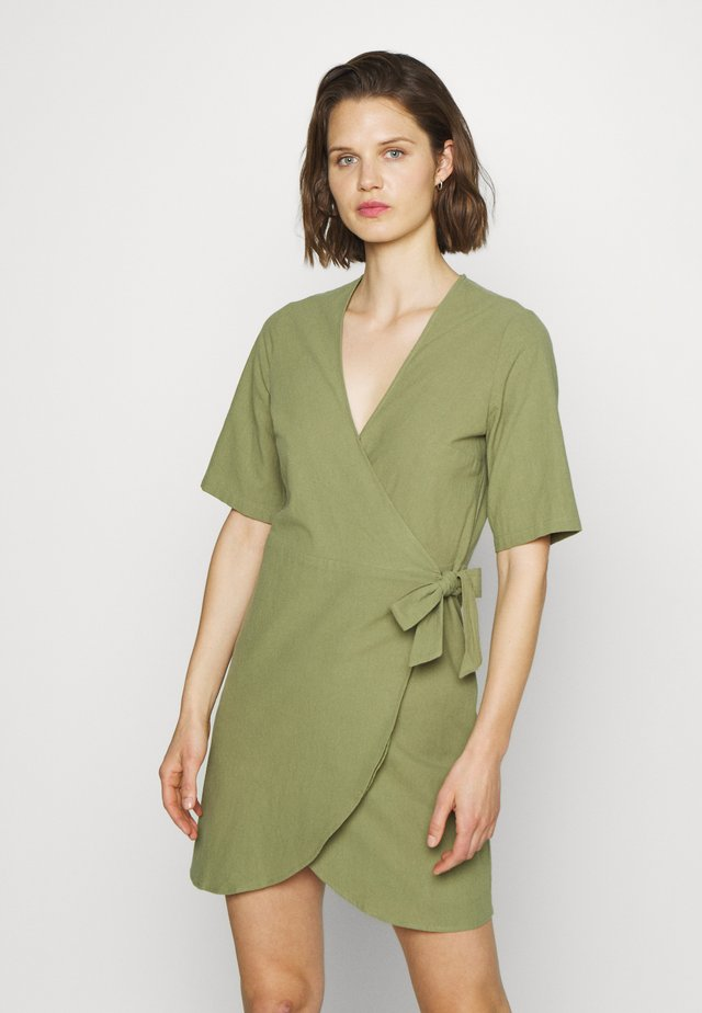 BRENNA DRESS - Sukienka letnia - loden green