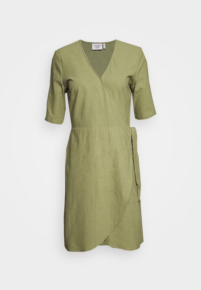 BRENNA DRESS - Korte jurk - loden green