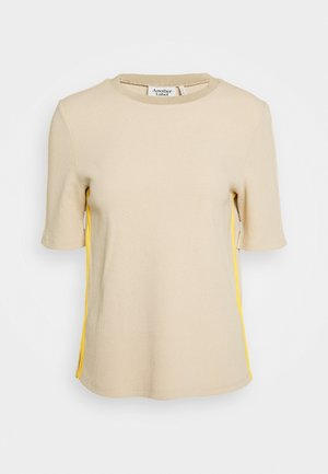 THOREL - T-shirt con stampa - sand/lemon curry