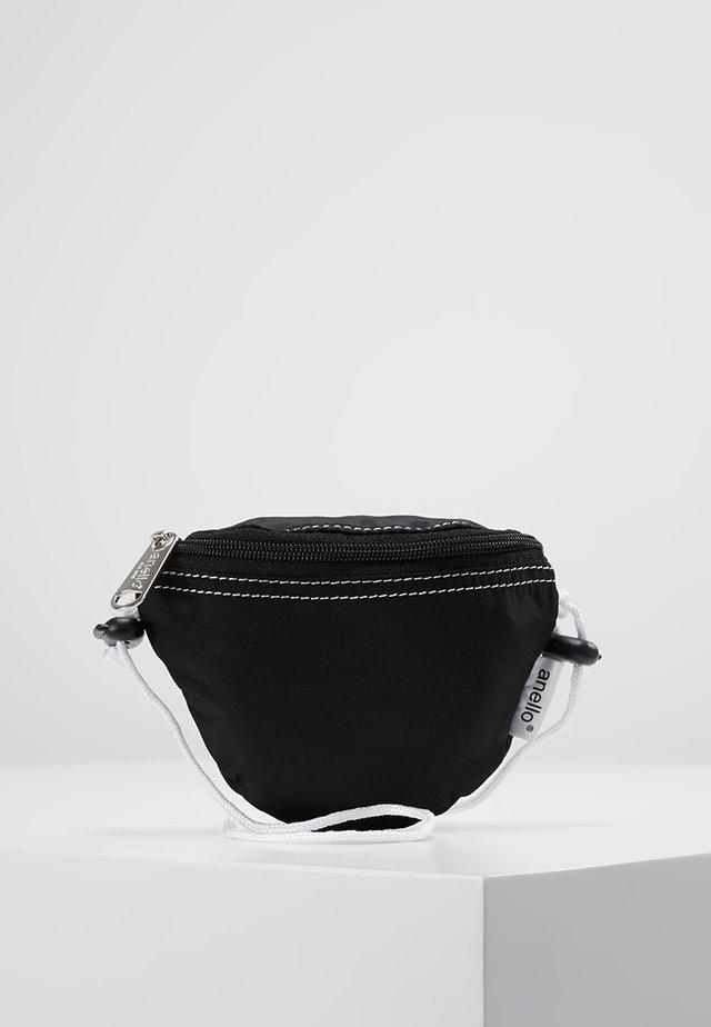 HIP BAG NECK POUCH - Vyölaukku - black