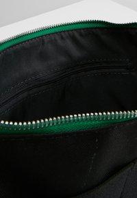 anello - Taška spříčným popruhem - green - 4