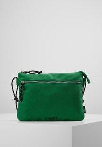 anello - Taška spříčným popruhem - green - 2