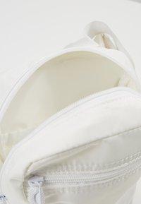 anello - Rumpetaske - white - 4
