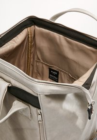 anello - TOTE BACKPACK VEGAN LARGE - Rucksack - grey putty - 6
