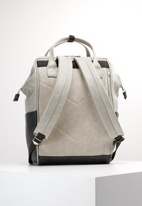 anello - TOTE BACKPACK VEGAN LARGE - Rucksack - grey putty - 2