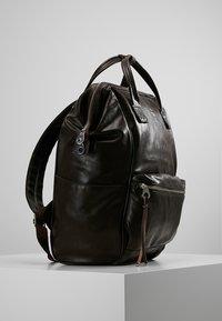 anello - TOTE BACKPACK VEGAN LARGE - Rucksack - dark brown - 3