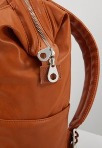 anello - VEGAN BACKPACK  - Reppu - camel - 8