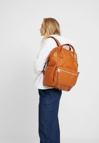 anello - VEGAN BACKPACK  - Reppu - camel - 6